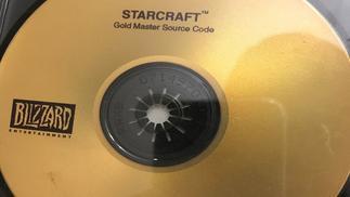 """归还《星际争霸》源代码光碟后,这名玩家收到了免费的""""暴雪嘉年华""""之旅"""
