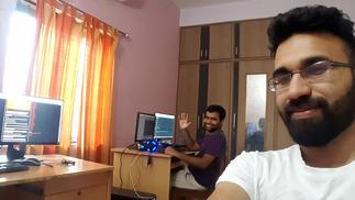 全印度最愤世嫉俗的两位独立游戏开发者