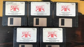 有人出售DOS版《毁灭战士2》初版拷贝,卖家是制作人自己
