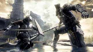 这名玩家用单个手柄同时击杀两名《黑暗之魂》Boss