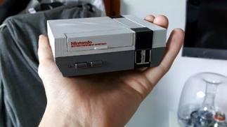 就硬件来说,迷你SNES只是迷你NES换了个外壳