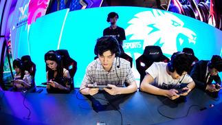 腾讯电竞运动会:我玩了人生中第一局《王者荣耀》