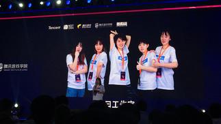 陪5个女孩参加游戏开发大赛