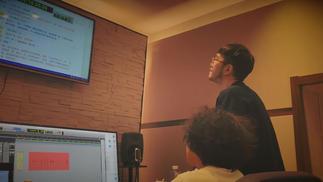 为游戏献声:中文配音演员和他们心中的好声音