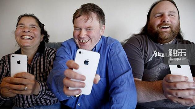 从内置语音朗读程序到盲人专用手势,iPhone的无障碍设计令盲人受益匪浅