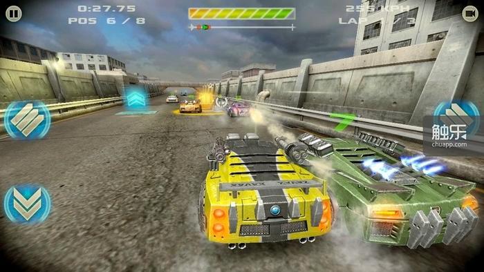 黄色和蓝色宝箱,分别提供弹药和加速功能,只是持续时间实在是太短了……