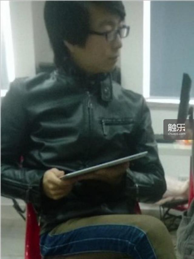 张文军,据认识他的人称,他大话连篇——爷爷是台湾高官、自己从蒙特利尔育碧调过来,在湖南有500人影视公司,经常指点小岛秀夫和宫崎骏……不过这些说法均未得到他本人的证实