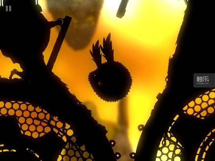 大球在通过狭窄空间的情况下,必须先吃缩小道具,否则就会迎来蛋碎的惨痛结局