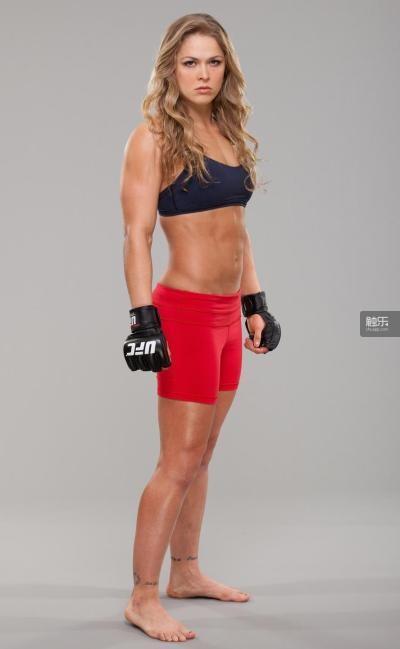 """隆达·罗西不仅是UFC界的名人,她的高调和嚣张也特别是美国人好的那口""""菜"""""""