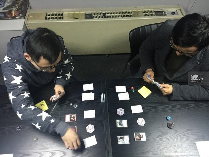 《英灵召唤师》团队通过实体卡牌测试游戏玩法