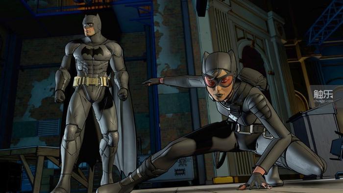 猫女和蝙蝠侠在本章开头不仅相认,而且还迅速结成了联盟,即便你在结尾处的所谓关键选择处没有拯救她,也根本不用担心友谊的小船说翻就翻